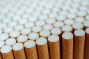 Budżet traci przez wysokie ceny papierosów