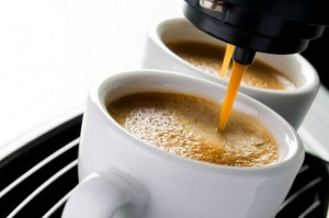 8 proc. Polaków regularnie odwiedza kawiarnie