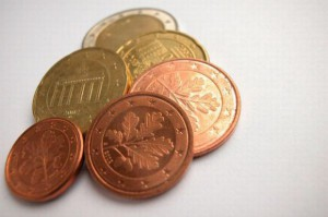 PIH z zaniepokojeniem obserwuje spadający kurs Euro