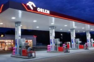 PKN Orlen planuje zakup sieci stacji benzynowych