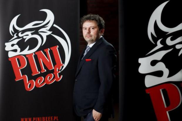 Pini Beef wchodzi w biznes restauracyjny
