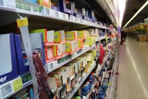 Sieci handlowe zmniejszają wydatki na reklamę - analiza