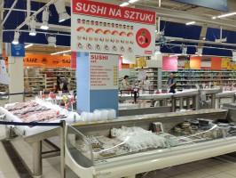 Zdjęcie numer 1 - galeria: Auchan odmienia stoisko z sushi