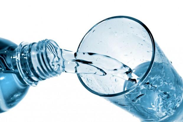 Innowacje wkraczają na rynek wód butelkowanych