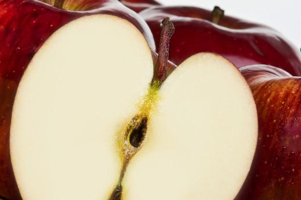 Nabłyszczanie jabłek szkodliwe dla zdrowia ?
