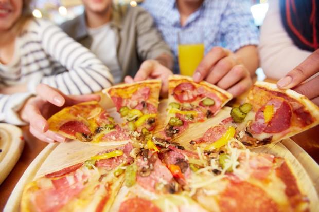 W Mediolanie upieczono pizzę długą na półtora kilometra