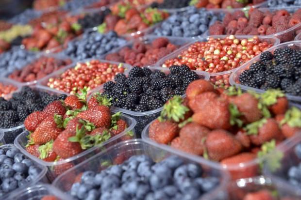 Bronisze: Ceny truskawek wyższe niż rok temu, tańsze czereśnie