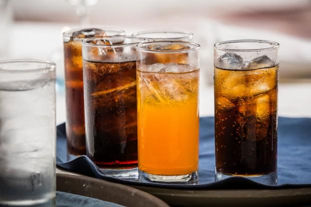 Napoje słodzone przyczyniają się do śmierci blisko 200 tys. dorosłych rocznie?