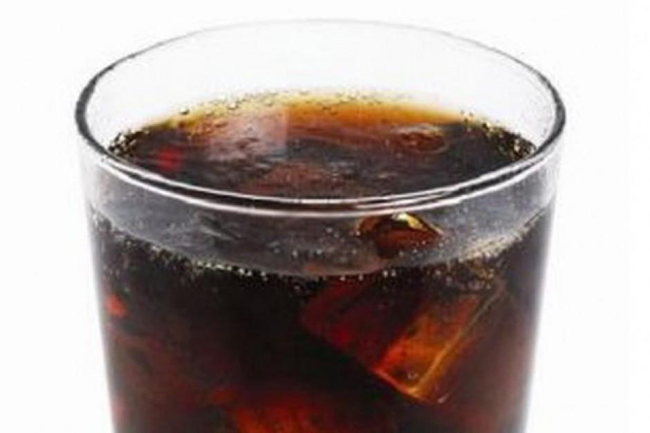 Producenci napojów gazowanych zwiększają wydatki na reklamę