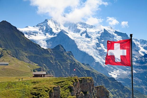 Szwajcarzy z najwyższymi zarobkami w Europie