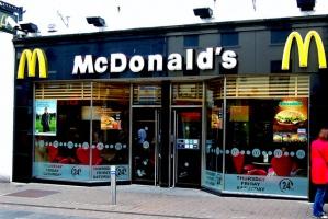 W McDonald's jak w restauracji. Obsłużą klientów przy stoliku