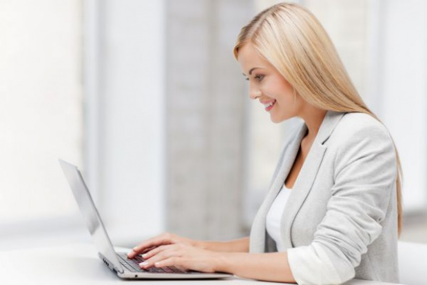 E-handel rośnie kosztem zwykłych sklepów