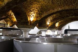 Zdjęcie numer 1 - galeria: W Tenczynku będzie produkowana whisky - galeria zdjęć