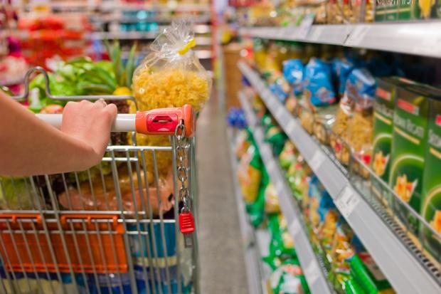 Sprzedaż detaliczna żywności wzrosła o niemal 5 proc.