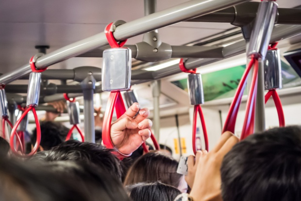 Amazon chce dostarczać zamówienia przy użyciu... transportu publicznego