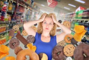 Polacy rezygnują latem ze zdrowego odżywiania