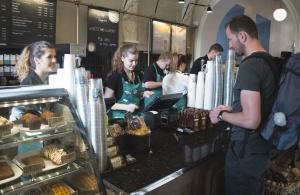 Zdjęcie numer 4 - galeria:  Starbucks otworzył 40. kawiarnię w Polsce - fotogaleria