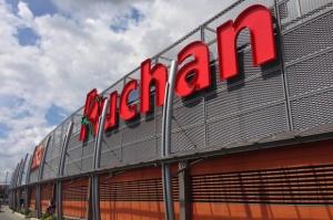 Auchan zwiększa przychody, ale ma problemy na rodzimym rynku