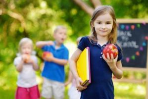 Koszt szkolnej wyprawki dla dziecka to średnio ponad 800 zł