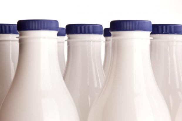 Kolejne spadki na polskim rynku mleka