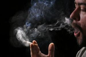 Polacy palą mniej niż Grecy czy Francuzi
