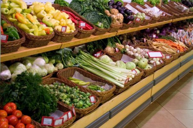 Susza zbiera żniwo. Ceny warzyw i owoców szybują w górę