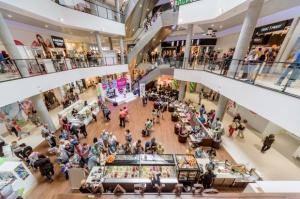 Klienci z dużych miast częściej odwiedzają galerie handlowe