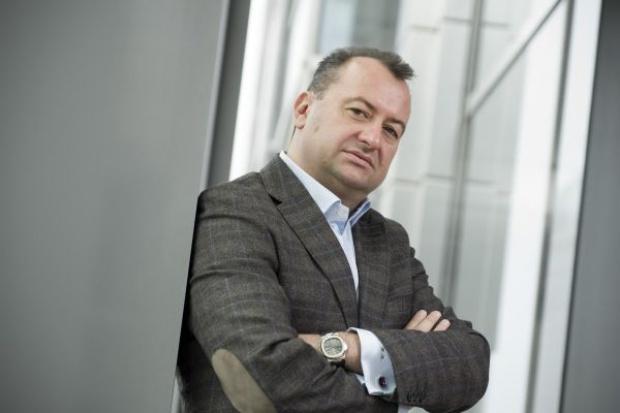 Henryk Kania rusza na podbój rynku parówek