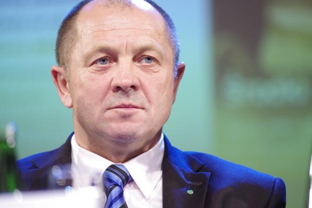 Minister rolnictwa: 100 mln zł chcemy skierować na pomoc dla producentów mleka