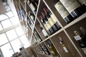 Polacy pokochali wina z dyskontów