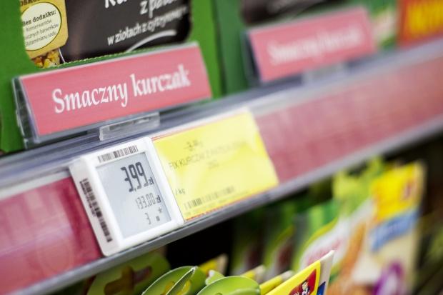 Polacy nadal dużo wydają w sklepach