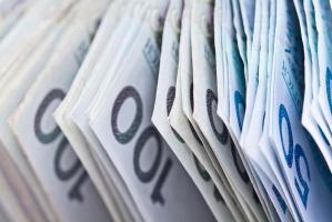 Ponad połowa Polaków woli płacić za zakupy gotówką