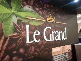 Biedronka testuje w sklepach stoiska z kawą na wynos
