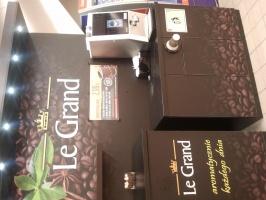 ZdjÄ™cie numer 3 - galeria: Biedronka testuje w sklepach stoiska z kawÄ… na wynos