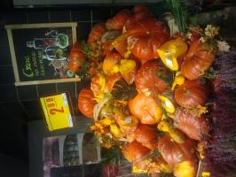 Zdjęcie numer 1 - galeria: Warzywa sezonowe w sklepie Carrefour - sztuka ekspozycji