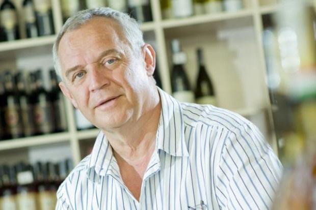 Marek Kondrat otwiera bar z przekąskami; myśli o sieci
