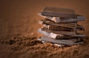 """Naukowcy stworzyli """"medyczną"""", zdrowszą czekoladę. Czeka nas rewolucja?"""