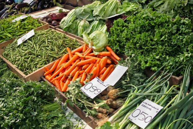 Przez suszę drożeją warzywa. Najbardziej kapusta i marchew