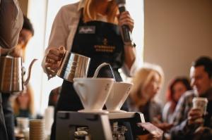 Zdjęcie numer 3 - galeria: AmRest otwiera kolejną kawiarnię konceptu Starbucks Reserve w Polsce (zdjęcie)