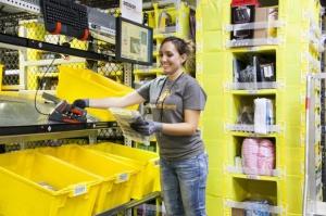 Kilkaset robotów pracuje we wrocławskim Amazonie