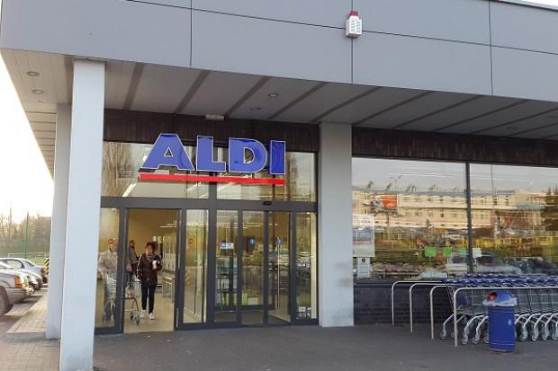 Aldi podnosi pensje brytyjskim pracownikom