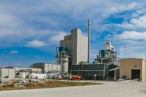 Ruszyła największa na świecie biorafineria etanolu celulozowego