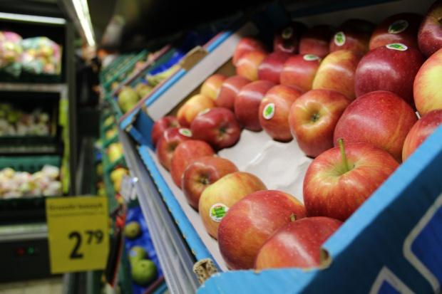 Zmiana modelu sprzedaży jabłek. Oferowanie coraz tańszych owoców nie ma sensu