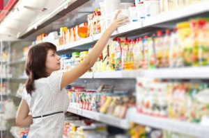 Polacy najczęściej robią zakupy w marketach i sklepach osiedlowych