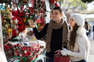 Kardynał Nycz: Boże Narodzenie zbyt szybko widoczne jest w sklepach!