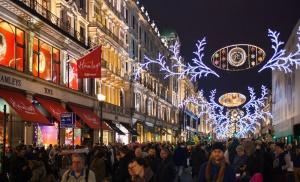 Sektor usługowo-handlowy poszukuje tysięcy pracowników przed świętami