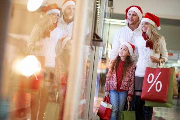 Polacy na świąteczne zakupy muszą pracować 10 dni
