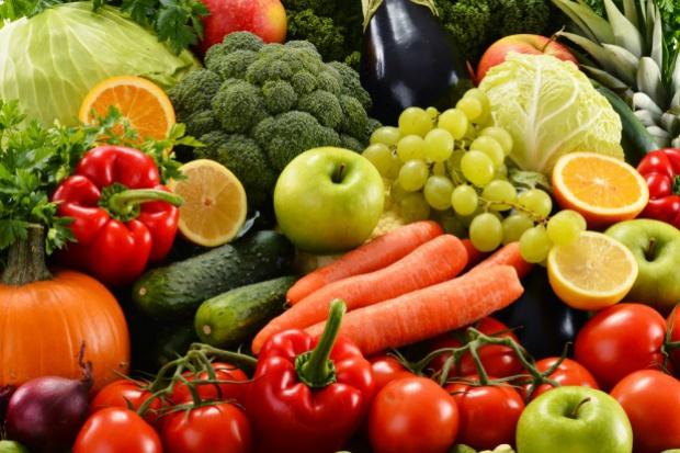 Długotrwała susza obniżyła zbiory owoców i warzyw