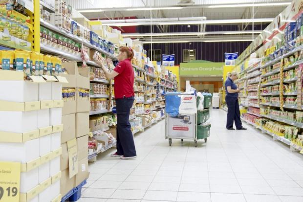 Podatek od supermarketów w konsultacjach od początku 2016 r.