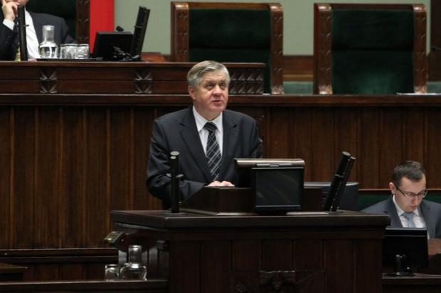 Jurgiel: Państwowej ziemi nie będzie można kupić, a tylko wydzierżawić